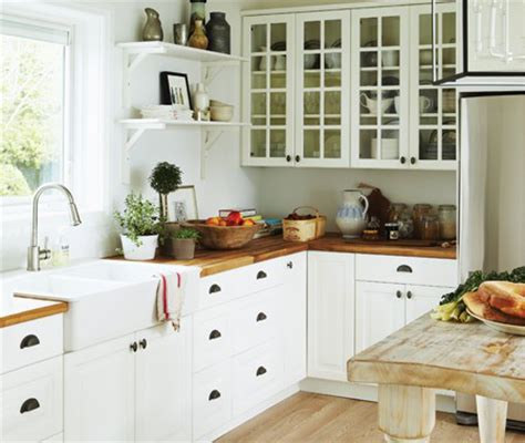 8 Tips For A Holiday Cottage Kitchen