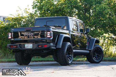 jeep gladiator  fuel wheels