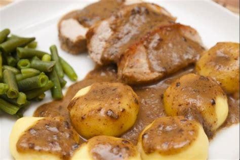 recette cuisine porc recette de kluski et rôti de porc facile et rapide