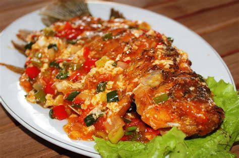 Resep masak gurame saus padang super enak. Resep dan Cara Membuat Ikan Gurame Saus Asam Manis Lengkap Beserta Cara Memasakya - Kreasi Resep ...