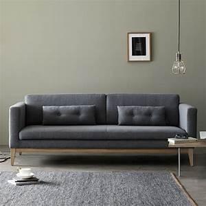 Sofa Mit Dampfreiniger Säubern : day sofa mit gestell und beine aus holz gepolstert und mit stoff bezogen in verschiedenen ~ Markanthonyermac.com Haus und Dekorationen