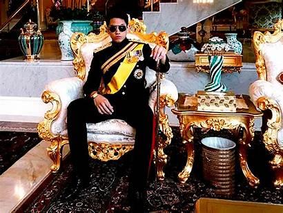 Prince Brunei Businessinsider Cubs Flies Choppers Chills