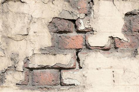 building decaying plaster decay brick broken cracked muur pittura bouw rotten het costruzione rottende bakstenen kleurrijke ondulato sfaldamento ferro decomposizione