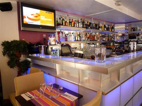 deco lounge bar restaurant des id 233 es novatrices sur la conception et le mobilier de maison