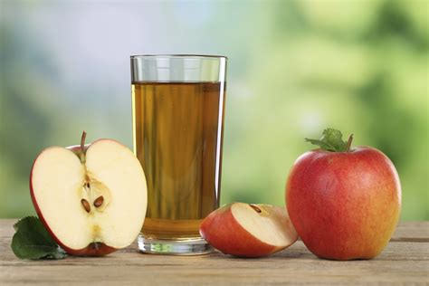 apple juice cleanse does kidneys drinking apples benefits getty livestrong