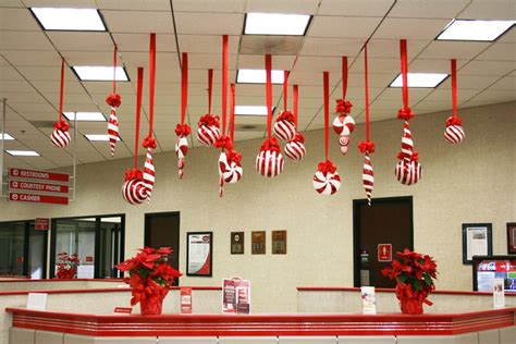 show me christmas decorations for an office 40 office decorating ideas all about