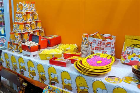 foto de Best 25+ Simpsons party ideas on Pinterest Party banners