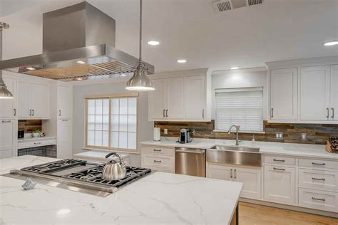Choose Kitchen Countertop Material & Remodel Today