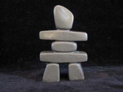 eskimo soapstone carvings inuit soapstone carving signed simonie iqaluq depicting