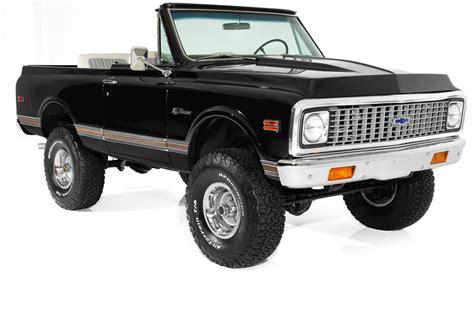 Chevrolet Blazer Black White