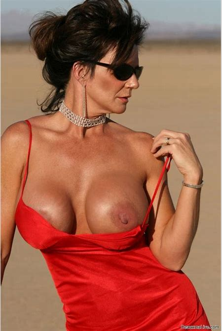 Deauxma Weekly live shows on DeauxmaLive.com