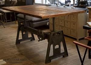 Table Industrielle Bois : table de repas industrielle lepic plateau bois et pied cr mailli re m tal ~ Teatrodelosmanantiales.com Idées de Décoration