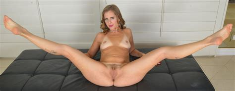 In Gallery Spread Eagle Mature Wide Open Hairy