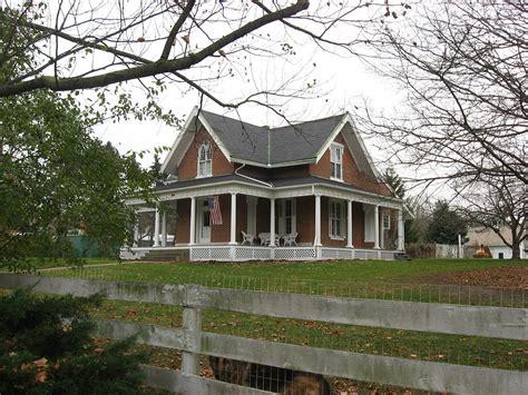 Vintage Farmhouse Images by Fulton Farm