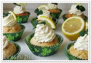Cupcakes Mit Füllung : zitronen cupcakes mit zitronencreme f llung kitchen ~ Watch28wear.com Haus und Dekorationen
