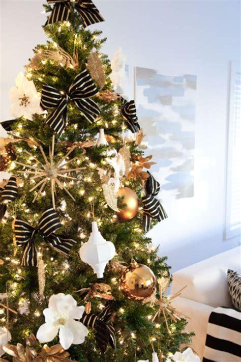 diy gold  glitter starburst ornaments christmas tree