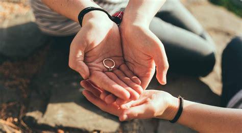 millennial mangagement  men wear engagement rings