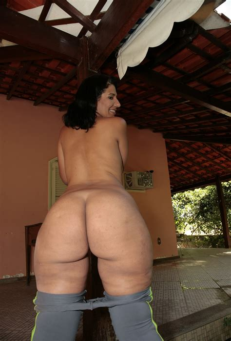 8  In Gallery Milf With Big Hips And Butt Picture 8 Uploaded By Reblok2003 On