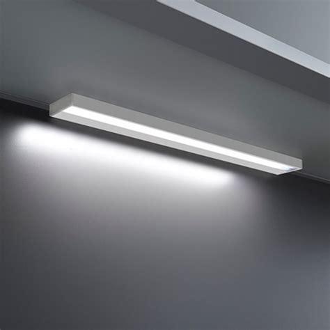 r 233 glette lumineuse led interrupteur tactile l37cm sokleo