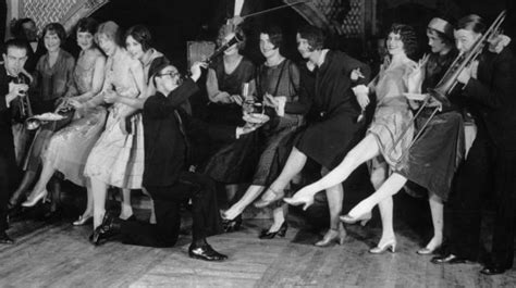 How Flappers Redefined Womanhood (hint
