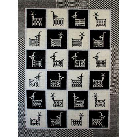 tappeti sardi prezzi tappeto capre a pianelle coop tessile quot su marmuri quot