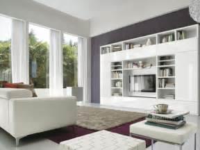 Soggiorno Classico Moderno Bianco: Soggiorno in stile classico ...