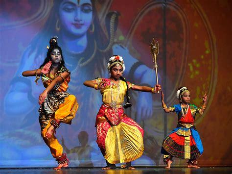 Quadcitians Celebrate Diwali, The Indian Festival Of