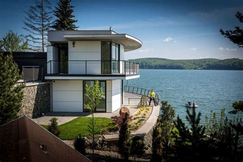 viewing deck design this house with observation deck is a dream for lake lovers modern house designs