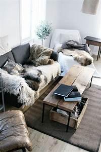 102 best plaid fur images on pinterest furs faux fur With tapis shaggy avec plaids fourrure pour canapé
