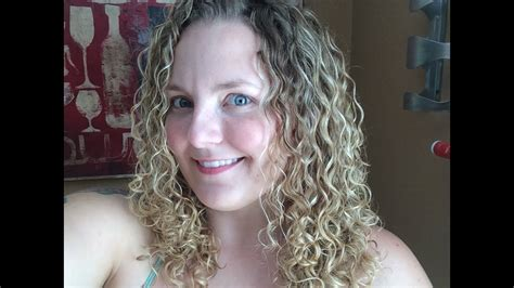 style curly hair  natural hair gel