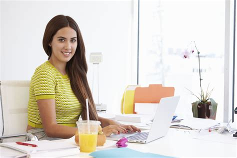 cooking at your desk 5 healthy strategies for eating at your desk 3plus