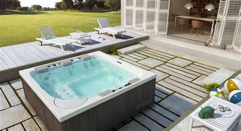 Whirlpool Garten Mit Dach by Optirelax Premium Whirlpools Pools Sauna
