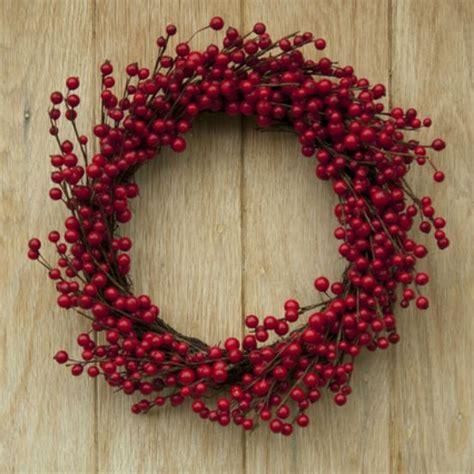 27 diy berry wreath ideas guide patterns - Red Berry Wreath