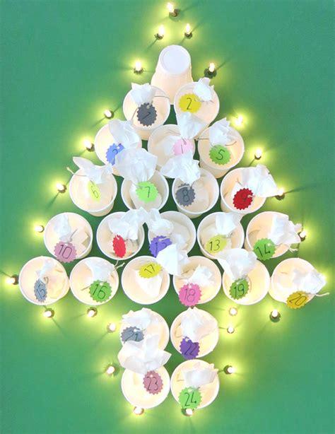 adventskalender mädchen selber basteln toller adventskalender tannenbaum weihnachtliche diy idee zum nachbasteln dezentpink diy
