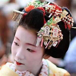The Modern Geisha and her Kanzashi – Barbaraanne's Hair ...