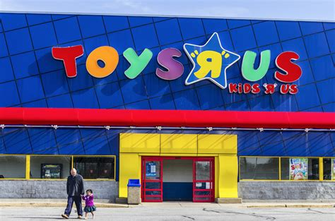 Report Toys R Us Could File For Bankruptcy As Amazon