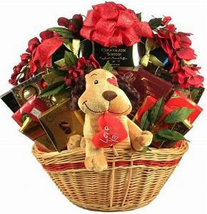 15+ Valentine's Day Gift Basket Ideas For Husbands Or Wife ...