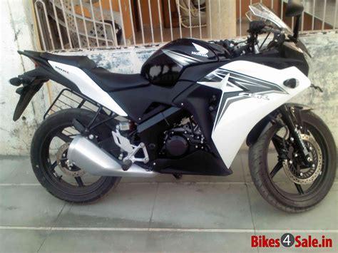 Black White Honda Cbr 150r Picture 1 Album Id Is 102892