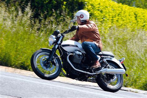 Moto Guzzi V9 Bobber Backgrounds by Ride Moto Guzzi V7 Classic Road Test Review Visordown