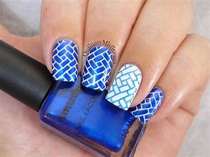 Blue and white nail art | OrdinaryMisfit