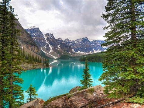 natural beauties moraine lake banff national park