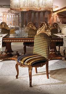 Sedia classica di lusso con seduta e schienale imbottiti IDFdesign