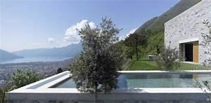 Maison Semi Enterrée : maison semi enterr e en pierres sur une colline en suisse ~ Voncanada.com Idées de Décoration