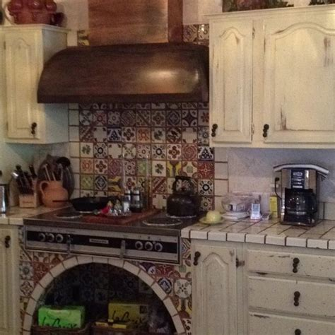 mexican tile kitchen backsplash top 25 ideas about mexican tile talavera on 7485