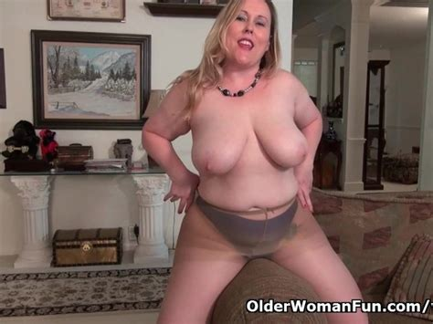 Curvy Milf Jewels Carter Can T Control Her Sex Hormones Free Porn Videos Youporn