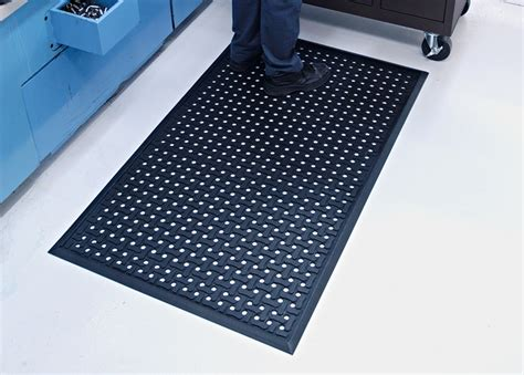 industrial floor mats comfort flow anti fatigue flow through floor mat