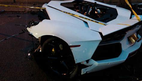 lamborghini aventador in half lamborghini aventador splits in half after a brutal crash
