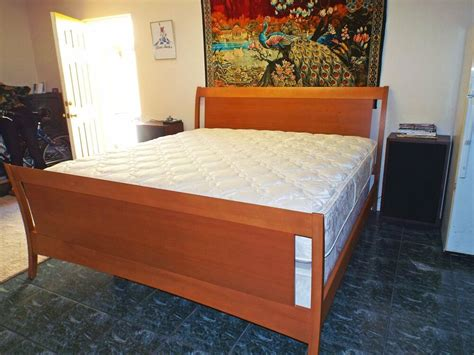 king size mediumlight maple solid wood contemporary style