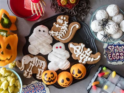 holloween food 11 halloween foods for kids food network halloween party ideas and recipes food network