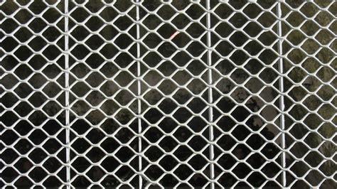 rideau de fer pour commerce prot 233 ger commerce avec un rideau m 233 tallique